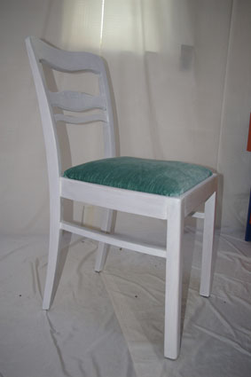 Weiß Lasierter Stuhl Im Landhausstil