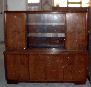 schwarze m bel schrank recyclingkunst und der versuch langsam und nachhaltig zu leben. Black Bedroom Furniture Sets. Home Design Ideas