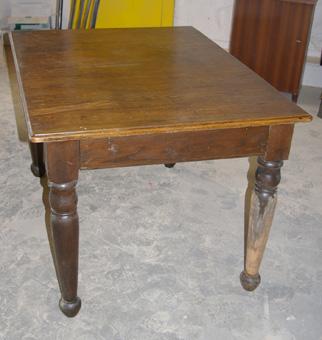 alter tisch mit schwarzen beinen durch schellack buntes. Black Bedroom Furniture Sets. Home Design Ideas
