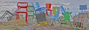 Stühle auf Steinen blog