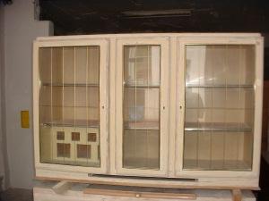 Küchenbuffet Oberteil noch nicht restauriert