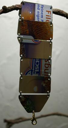Armband aus einer alten Fischdose