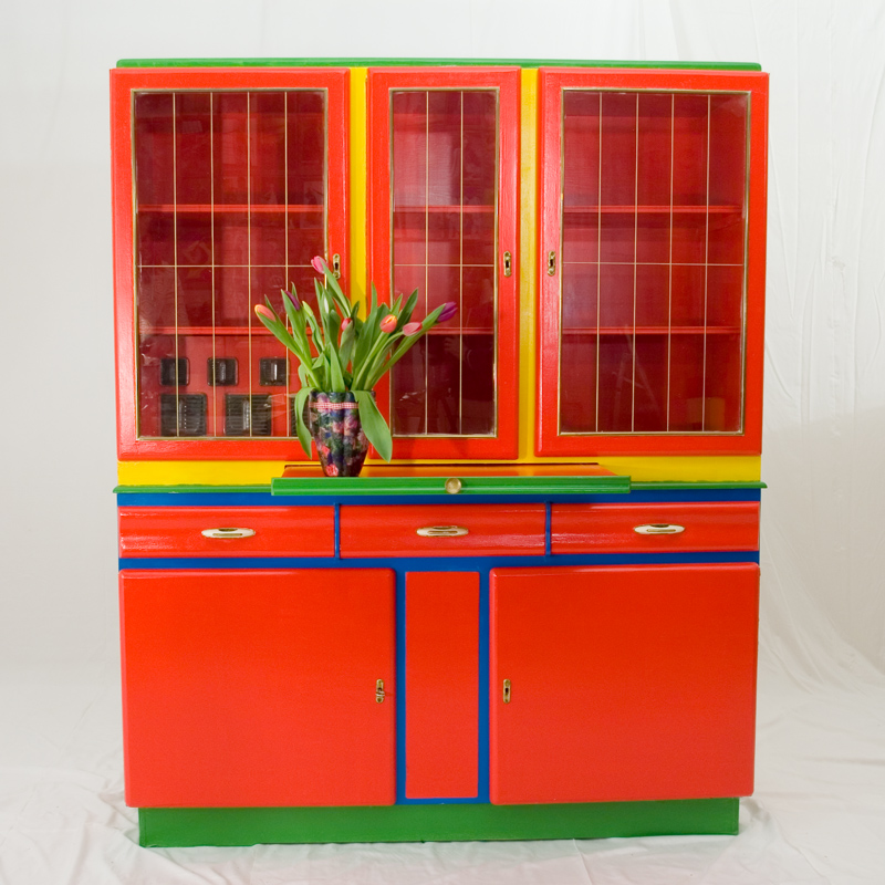 altes k chenbuffet recyclingkunst und der versuch. Black Bedroom Furniture Sets. Home Design Ideas