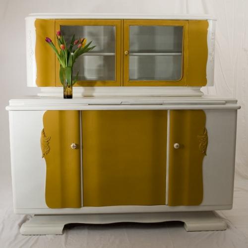 diy ein altes wohnzimmerbuffet im neuen look recyclingkunst und der versuch langsam und. Black Bedroom Furniture Sets. Home Design Ideas