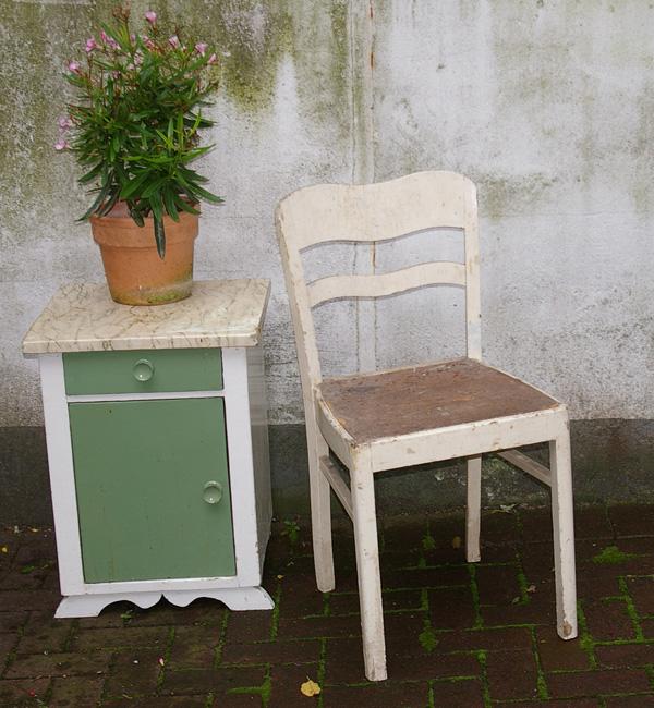alte st hle recyclingkunst und der versuch langsam und nachhaltig zu leben. Black Bedroom Furniture Sets. Home Design Ideas
