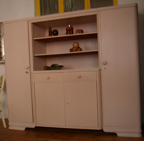 alter schrank neu gestaltet recyclingkunst und der versuch langsam und nachhaltig zu leben. Black Bedroom Furniture Sets. Home Design Ideas