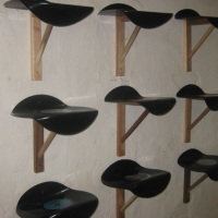 Regale aus Vinyl-Schallplatten - tolle upcycling Idee