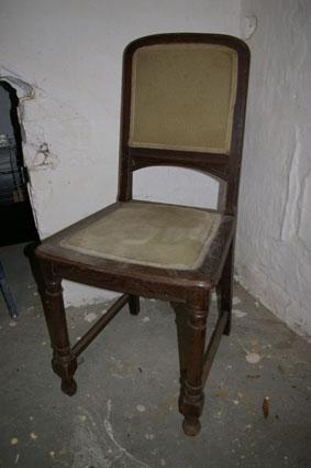 selbermachen alter stuhl neu recyclingkunst und der versuch langsam und nachhaltig zu leben. Black Bedroom Furniture Sets. Home Design Ideas