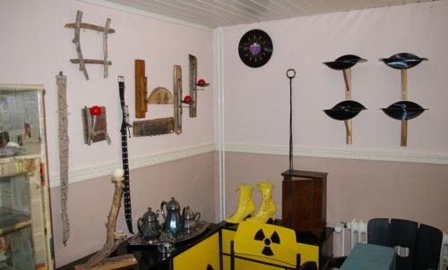Regale aus alten Schallplatten, Uhr aus alten Schallplatten, Wanddekoration aus Treibholz, Bilderrahmen aus Treibholz