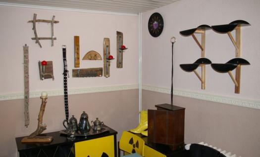 Regale aus alten Schallplatten, Wanddekoration aus Treibholz, Wandkerzenhalter aus Treibholz