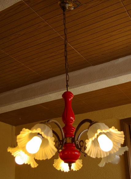 Hängelampe in rot, Glaslampenschirmchen