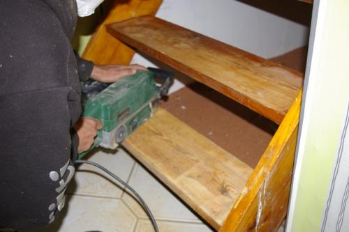 alte treppe renovieren recyclingkunst und der versuch langsam und nachhaltig zu leben. Black Bedroom Furniture Sets. Home Design Ideas