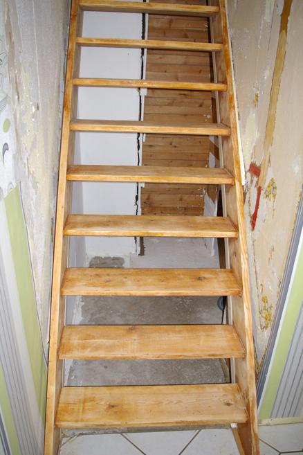 alte Treppe ganz abgeschliffen