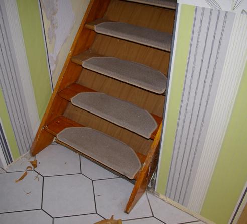 alte Treppe unterer Teil renovieren