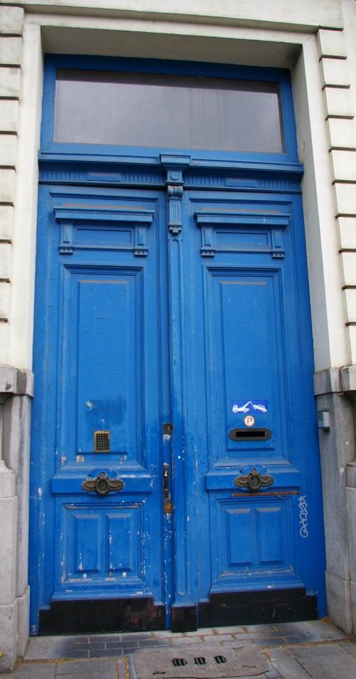 Blaue Haustür in Antwerpen