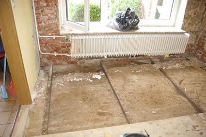 Fußboden Erdgeschoss Dämmen ~ Wohnräume dämmen und renovieren alten fußboden entfernen