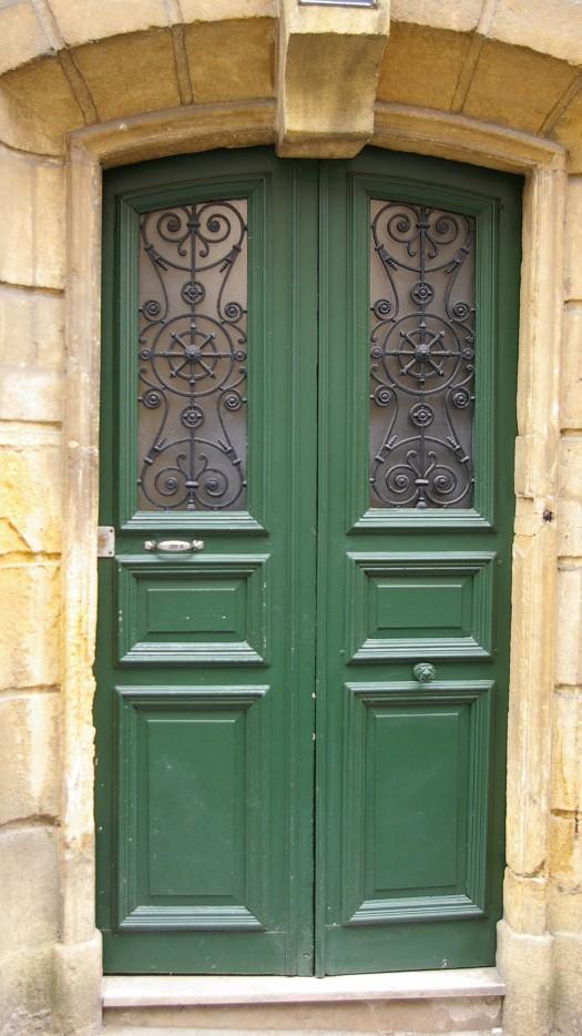 grüne Eisengitter Tuer Metz Frankreich