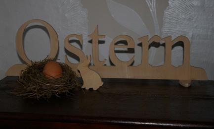 Schriftzug Ostern aus Sperrholz