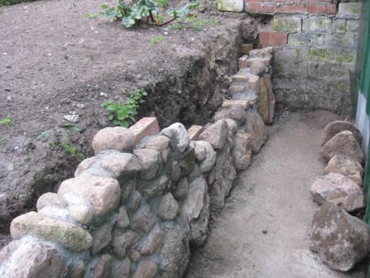 Mauer Steinmauer Mauer aus Feldsteinen selbstgemacht