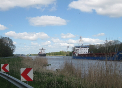 Schiffe auf dem Nord-Ostsee-Kanal