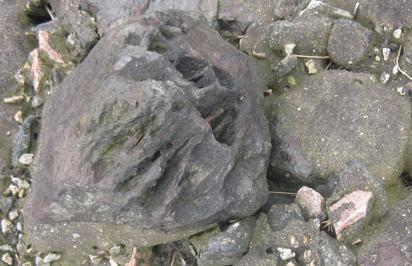 Stein mit Loch, Steine
