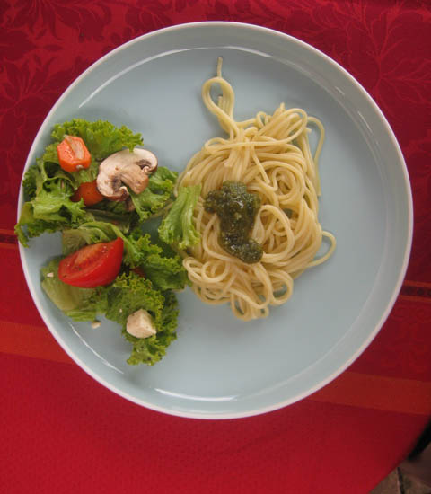 Pesto Salat Wallnusspesto