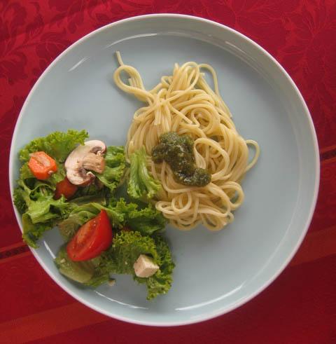 Pesto Salat Wallnuss-Pesto