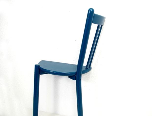 Anleitung ein regal aus einem alten stuhl ein etwas for Stuhl upcycling