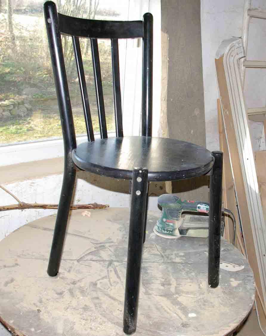 anleitung ein regal aus einem alten stuhl ein etwas. Black Bedroom Furniture Sets. Home Design Ideas