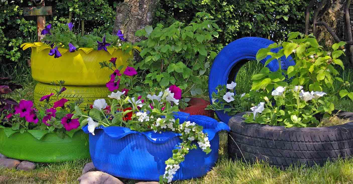 alte autoreifen recyclingkunst und der versuch langsam und nachhaltig zu leben. Black Bedroom Furniture Sets. Home Design Ideas