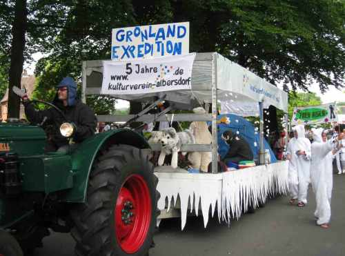 Grönland-Wagen-Pfingstumzug