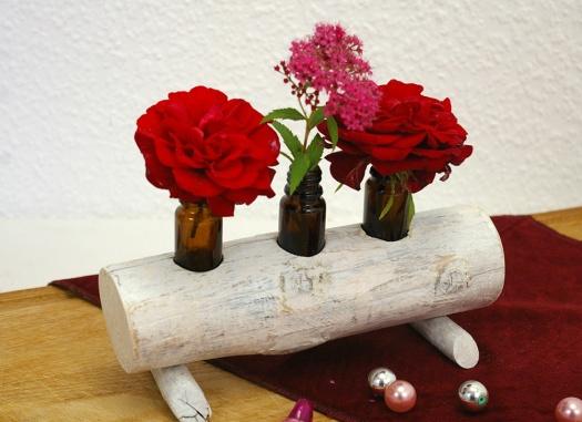 upcycling Blumenvase Medizinflasche holz