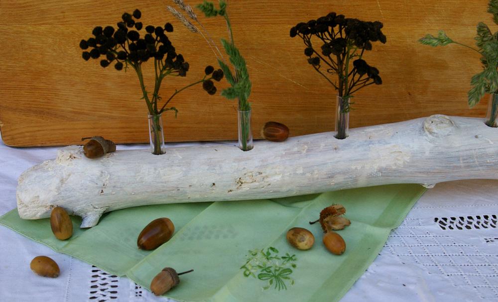 Herbst Innendekoration : ... Weißer Treibholzast mit Mini Vasen ...