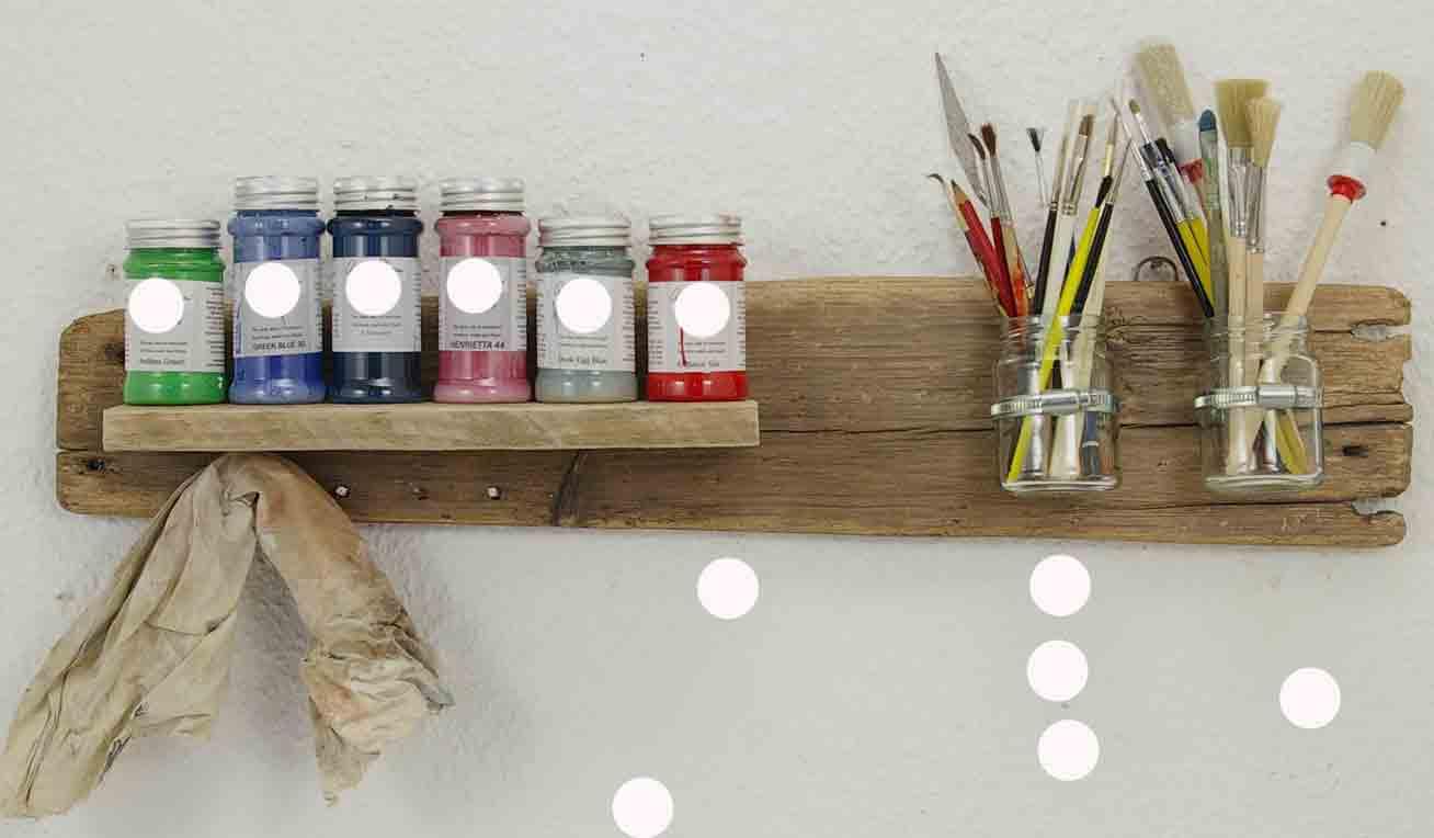 selbstgebautes Malerbord aus Treibholz