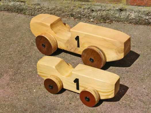 Rennwagen-zweimal