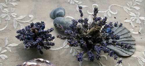 Basteln kleine Lavendelgestecke
