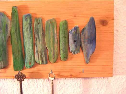 Hakenleiste mit fisch aus Treibholz