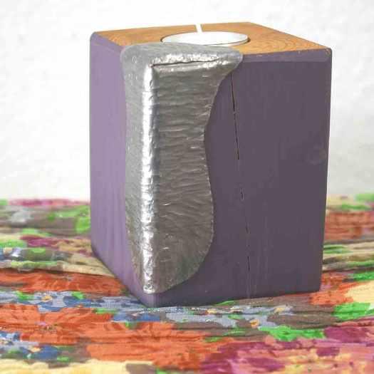 Kerzenhalter mit metalldekor