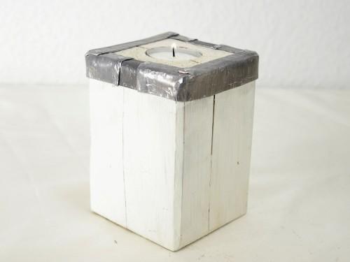 Teelichthalter mit Metallrand in weiss, Holzteelichthalter selber machen