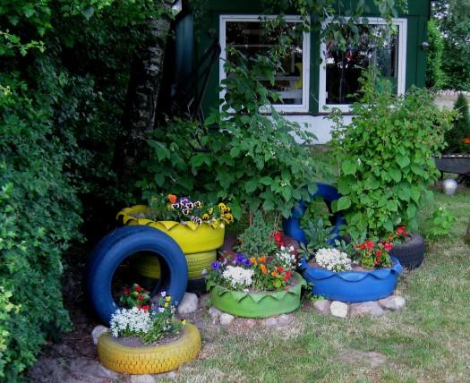 Autoreifen im Garten