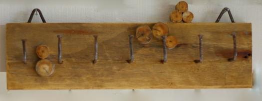 Hakenleiste aus Altholz