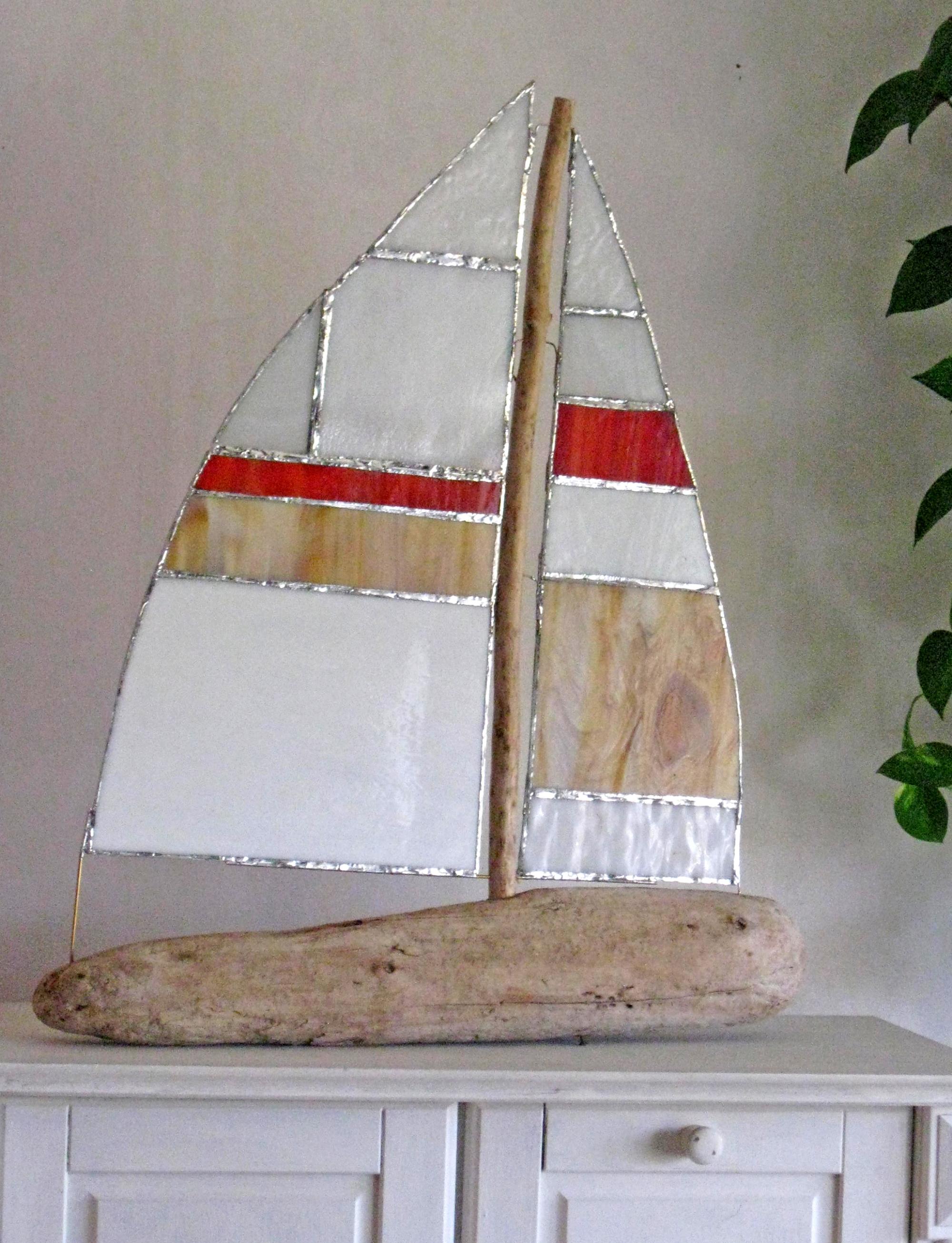Segelboot aus Tiffany glas