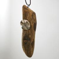Diy: Schmuck aus Treibholz mit Silberteilen