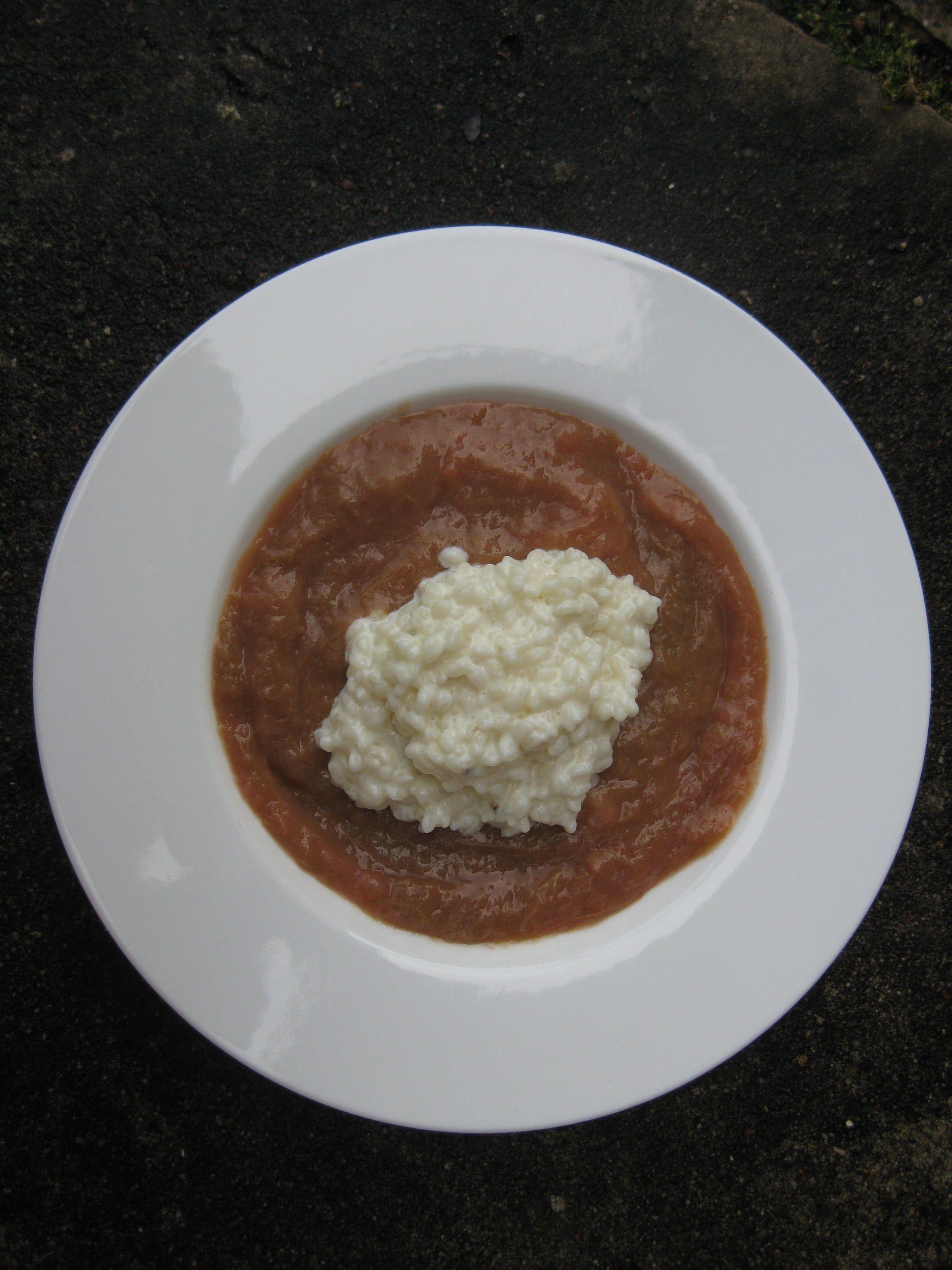 Rhabarber mit Reis