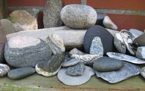 Steine in Grautönen