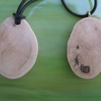 Schmuck aus Baumperlen herstellen