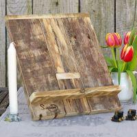 Diy-Idee für nachhaltiges Wohnen: Buchständer aus Palettenholz