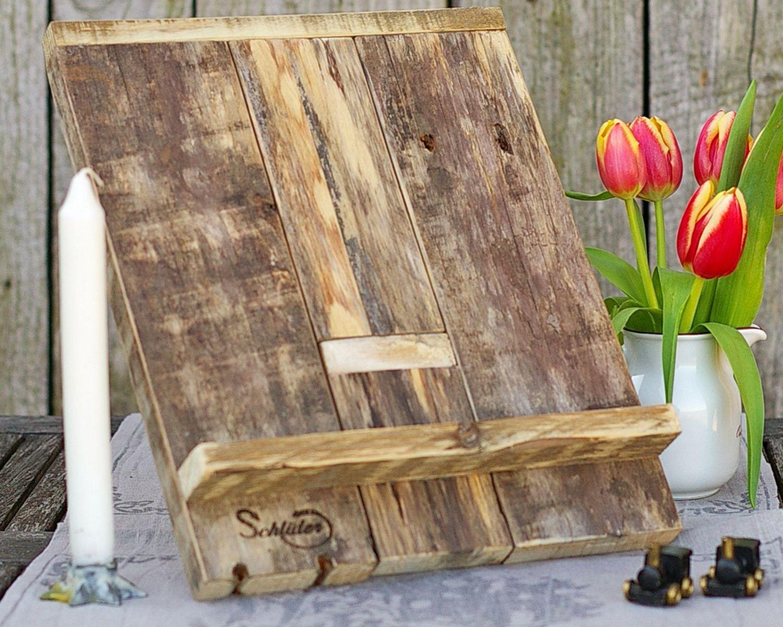 Buchstaender aus Palettenholz
