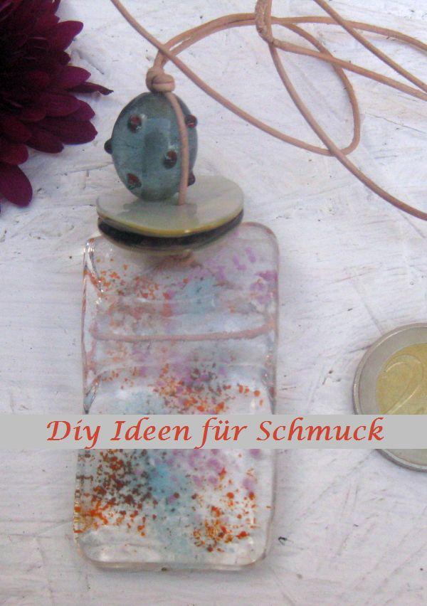 Halskette gebastelt mit Glasperlen, Perlmuttknöpfen und Lederband, Diy Idee