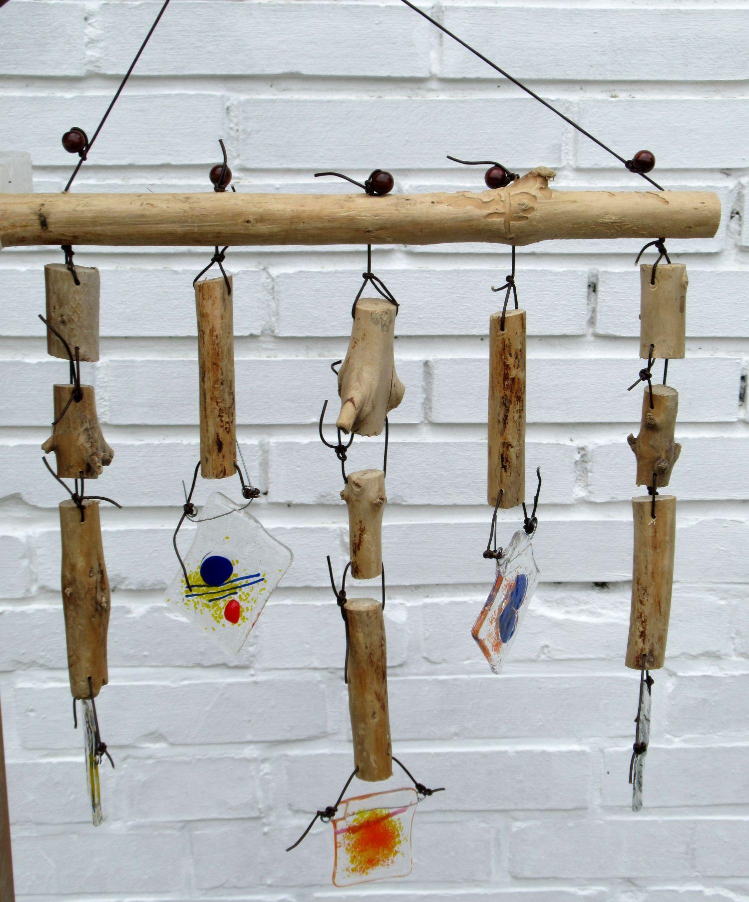 diy suncatcher aus Treibholz und fusing glas, schöne Ideen für den Garten
